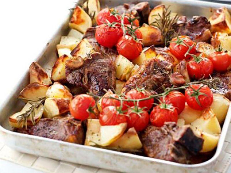 Бараньи рёбрышки в духовке с картошкой